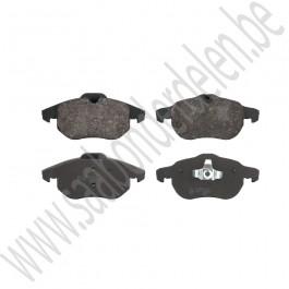 Voorremblokken, origineel, 15  en 16 inch, Saab 9-3 versie 2, bouwjaar 2003 tm 2012, org. nr. 12803551, 93188112, 12765397, 12800120, 93166943, 93185751, 93188111, 93176121, 32019593