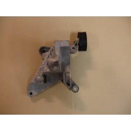 Steun generator en looprol, SAAB 900 New Gen en 9-3 Versie 1 T5 motor art. nrs. 4904421 4961348 5171368