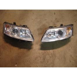 Tweedehands org. xenon koplamp, Saab 9-3V2, left hand drive, bj. '03-'07, art. nr. 12797388 links, 12797389 rechts
