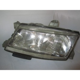 Occasie kop lamp L. en of R. Saab 9-5 bj: '98 tm '01 art. nrL=4832457 5284450 art. nrR=4832465 5284468